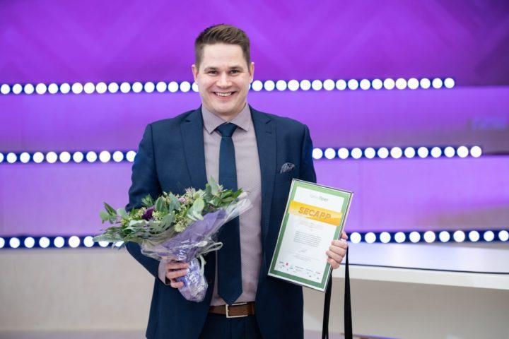 Secappin liiketoimintajohtaja Jani Lehtinen vastaanotti Vuoden kasvuyritys 2020 -tittelin.